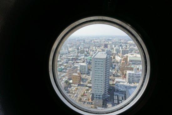 Art Tower Mito: 展望しづらいです