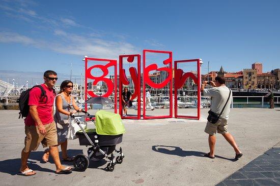 Gijón, Espagne : Letronas (Machbel)