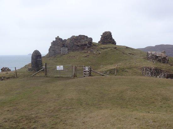 Duntulm, UK: Ruines interdites - Mars 2018