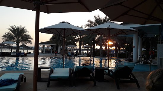 InterContinental Abu Dhabi: Poolside