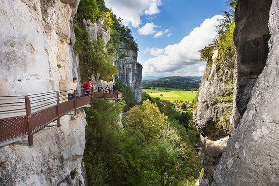 Saint-Christophe, Francja: Sortie Grotte Inférieure du Site Historique des Grottes de St Christophe (SCALPFOTO)