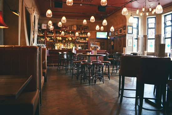 Castle Bromwich, UK: Enjoy a drink a our neighbourhood bar