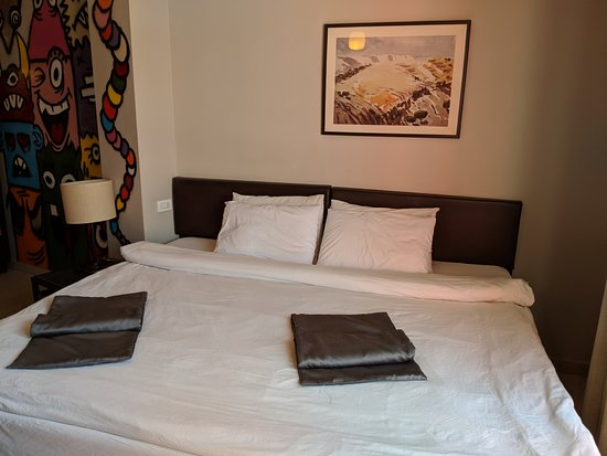 Art Hotel Downtown: Room 306