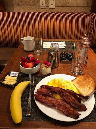 Peachy Breakfast Restaurants In Times Square Best Restaurants Near Me Download Free Architecture Designs Momecebritishbridgeorg