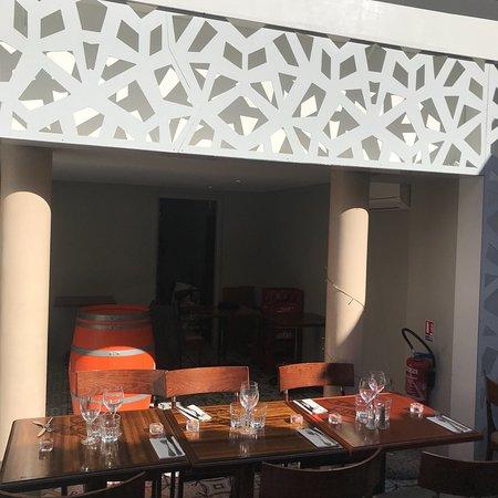 l 39 avant cour marseille restaurant reviews phone number photos tripadvisor. Black Bedroom Furniture Sets. Home Design Ideas