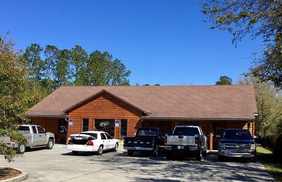 Middleburg, FL: Restaurant front view.