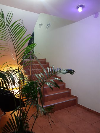 Beausejour Boutique Hotel: Ingreso por escalera