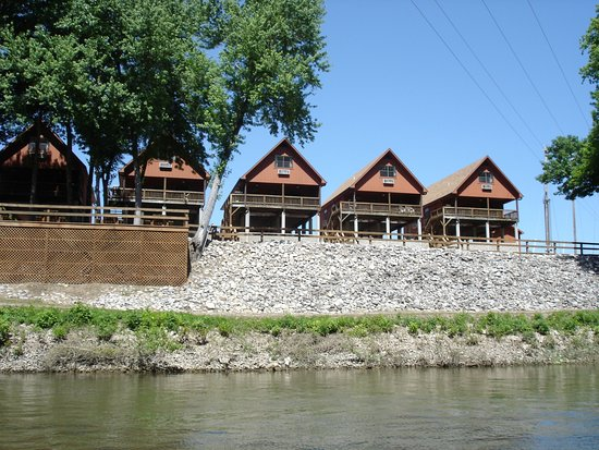 Norfork, Арканзас: Our river cabins from the river.