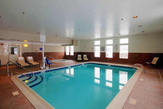 Liverpool, NY: Indoor Heated Pool