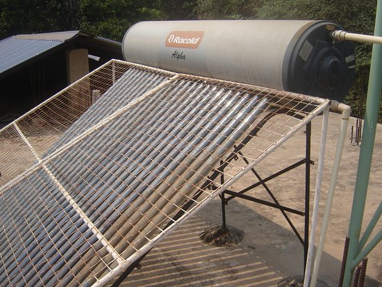 Anjuna, Indien: Solar Heater for Shower