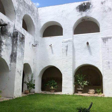 El Atrio del Convento de Izamal: photo4.jpg