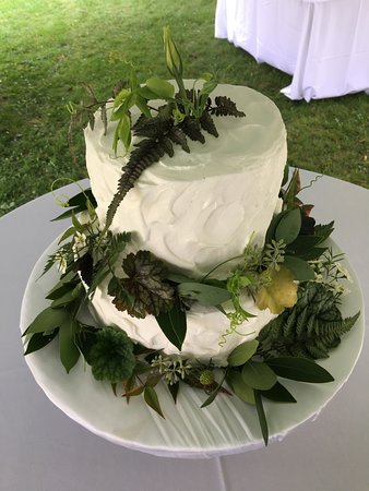 Rustic Themed Wedding Cake At How Sweet It Is Cakes Picture Of How