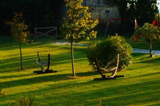 Alvito, Italy: Giardino /  garden