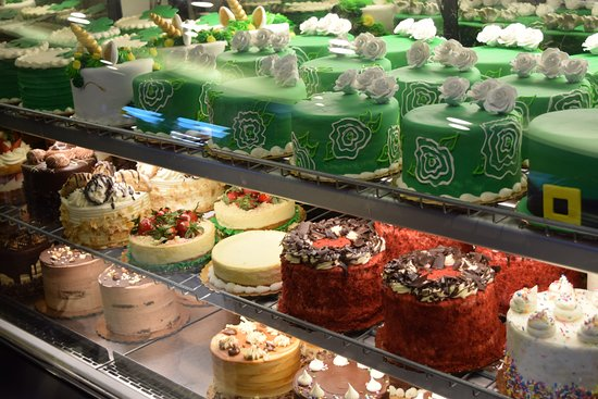 Friendly Bake Shop Cake Boss