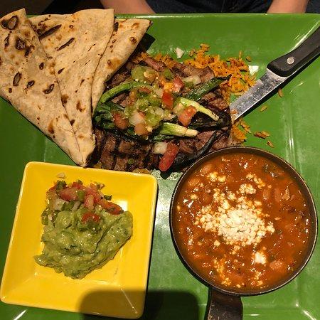 Sierra Bonita Grill: photo2.jpg