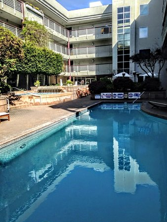 Cupertino Hotel: Awesome Pool