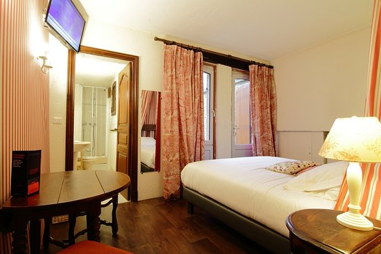 Chambre double standard - Picture of Hotel La Couleuvrine, Sarlat-la ...