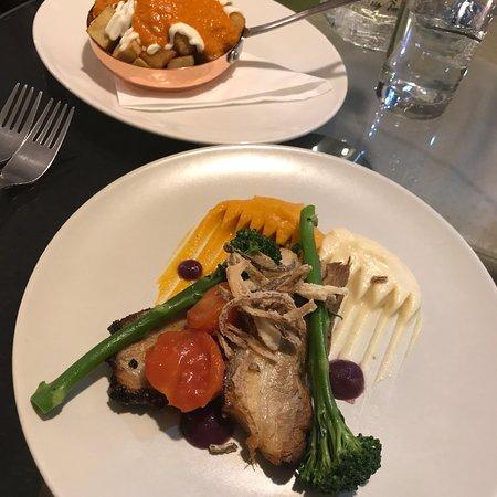 Dominik's Restaurant: photo1.jpg
