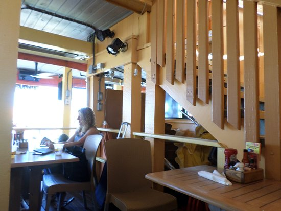 Frenchy's South Beach Cafe : small area seating