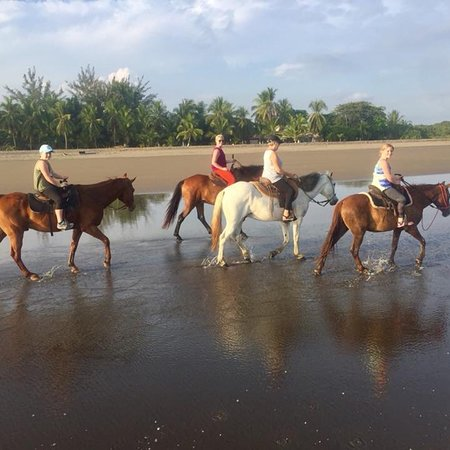 Esterillos Este, Costa Rica: Best times with Cr Beach Barn!