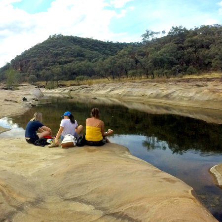 Hughenden, Australia: Sitting by the rock pools.
