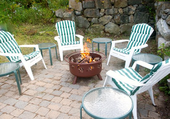 Center Harbor, NH: Cozy fire pit area