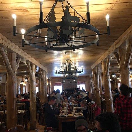 Erabliere charbonneau mont saint gregoire restaurant for Restaurant saint gregoire