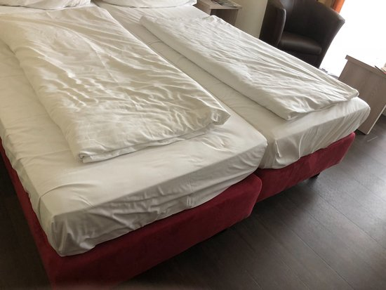 Moselstern Parkhotel Krahennest: Betten auf Rollen