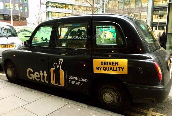 London Black Cabs Un Cab Con Propaganda