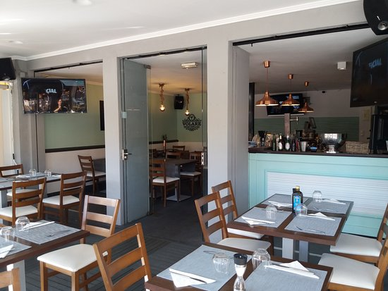 Volare Italian Restaurant, Cafe & Bar : terraza interior