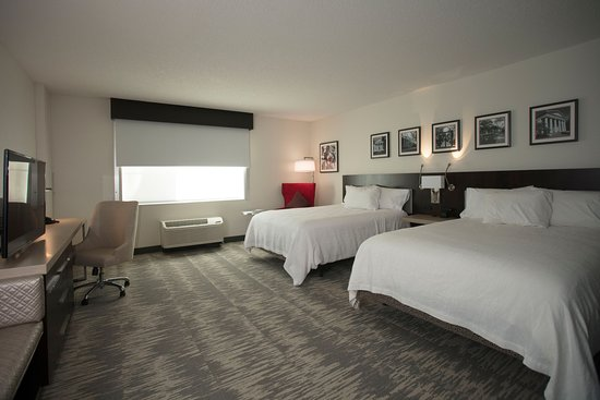 accessible two queen beds picture of hilton garden inn. Black Bedroom Furniture Sets. Home Design Ideas