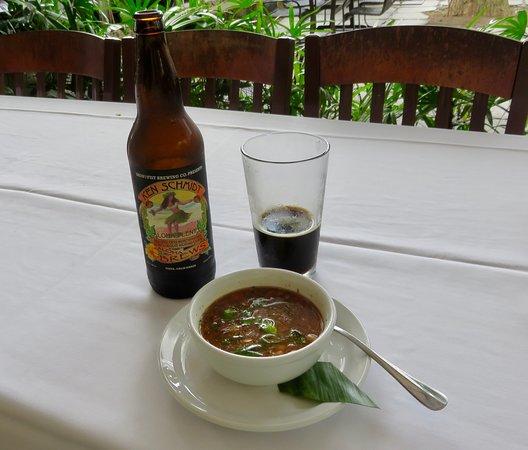 Holualoa, Hawái: White Bean and Brisket soup with a porter