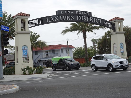 Dana Point, CA: Harbor lies just below the historical Lantern District