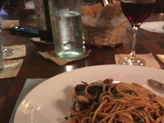 La Pecora Nera: Pâtes eux fruits de mer