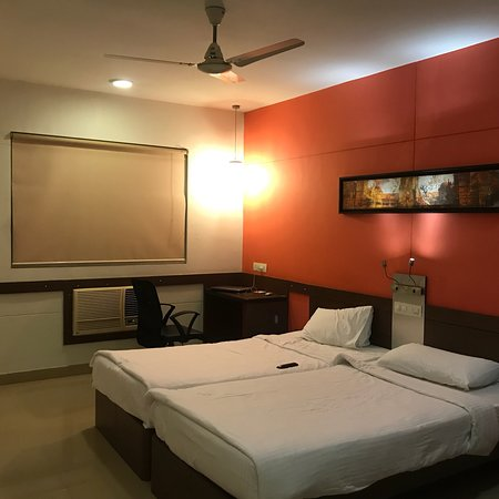 Stay at Ginger Hotel -Mahakali Mumbai