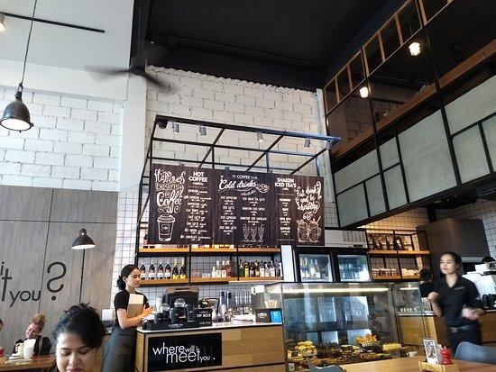 The Coffee Club - Ao Nang: Inside the cafe