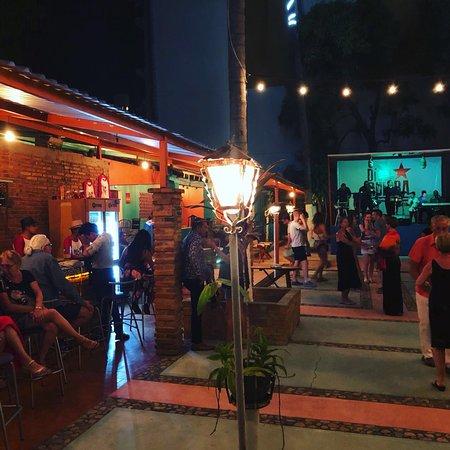 Un lugar increíble para escuchar música cubana y bailar