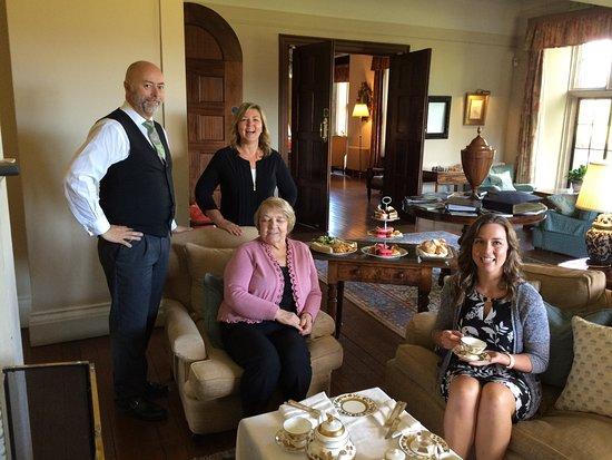 Llyswen, UK: Afternoon tea by the fireplace.