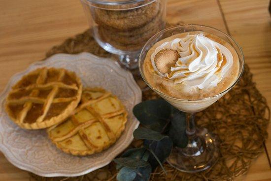 Atenas, Costa Rica: Tartaletas dulces + Suspiro Limeño