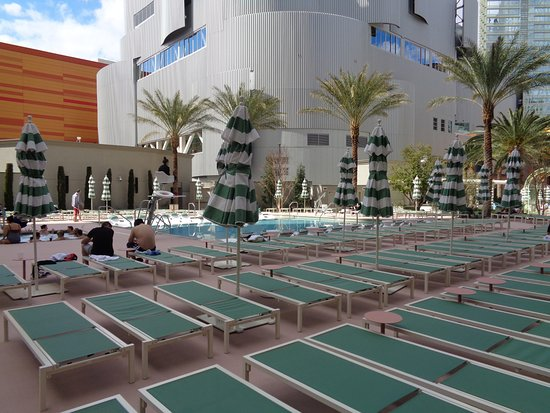 Casino at the Monte Carlo Resort: South pool