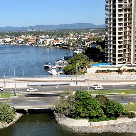 Narrowneck Court: photo2.jpg