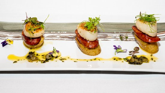 Biggera Waters, Australia: Entree - Scallops
