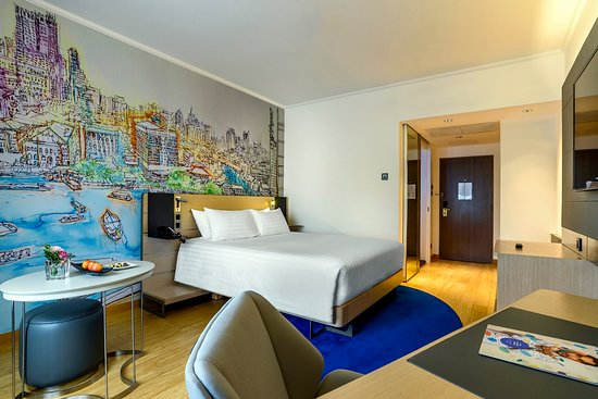 Novotel Bangkok on Siam Square: Deluxe Room with Queen Bed
