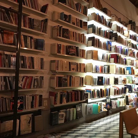 Books Kafetzi Cafe Bar
