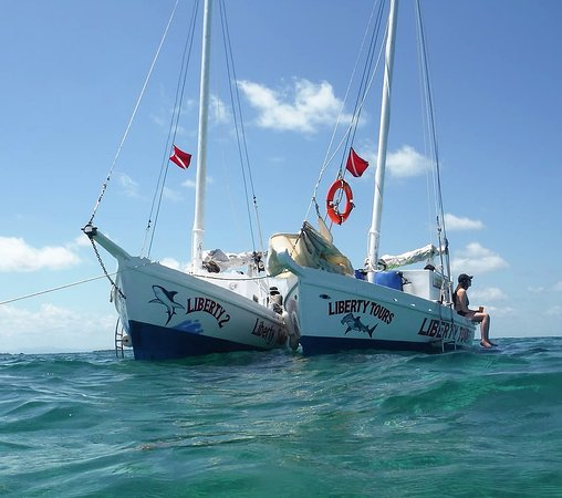 Caye Caulker, Belize: The sailing pair