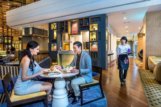 Novotel Bangkok on Siam Square: Gourmet Bar