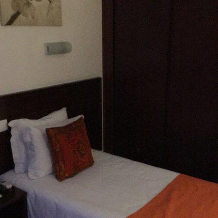 Dinya Lisbon Hotel: photo1.jpg