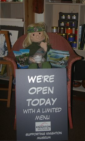 Knighton, UK: Opening on Sundays from Easter Sunday to support the museum.