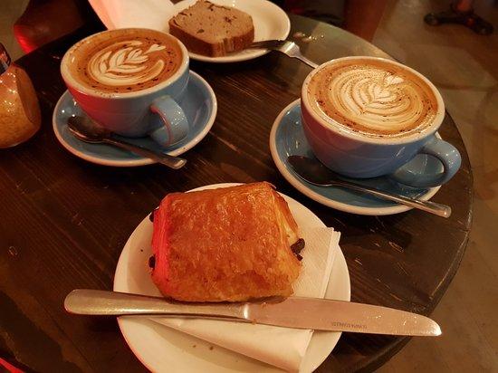 200 Degrees Coffee Shop: 20180316_075237_large.jpg