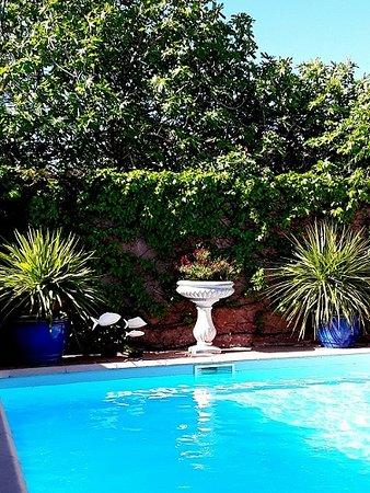 Pennautier, Frankrike: Côté piscine